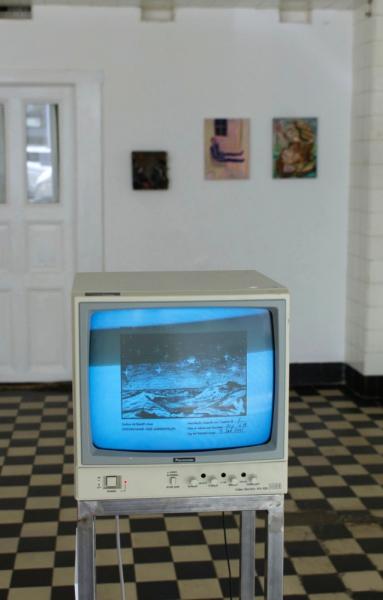 "Alanna Dongowski ""SWT"" 2021 DVD on Panasonic VM (SWT drawings""), metal stele, Ed. 1/3 +2AP. Passive Aggressive, Galerie Sandra Bürgel, Berlin 2021"
