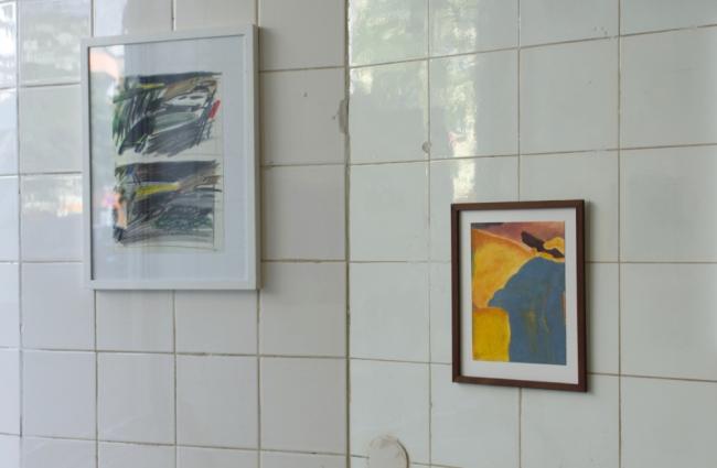 "Evelina Reiter ""Nollendorfplatz"" 2021 pencil, coloured pencil on paper 29,5 x 21 cm / Mila Mayo Cano o.T. 2021 oil on oil paper 19,5 x 15 cm. Passive Aggressive, Galerie Sandra Bürgel, Berlin 2021"